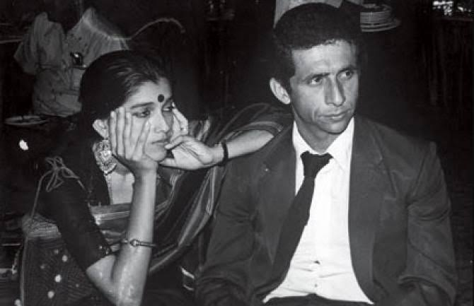 """insha on Twitter: """"random black and white pictures of young naseeruddin shah  and ratna pathak shah: a thread https://t.co/1IudkBWtKv"""" / Twitter"""