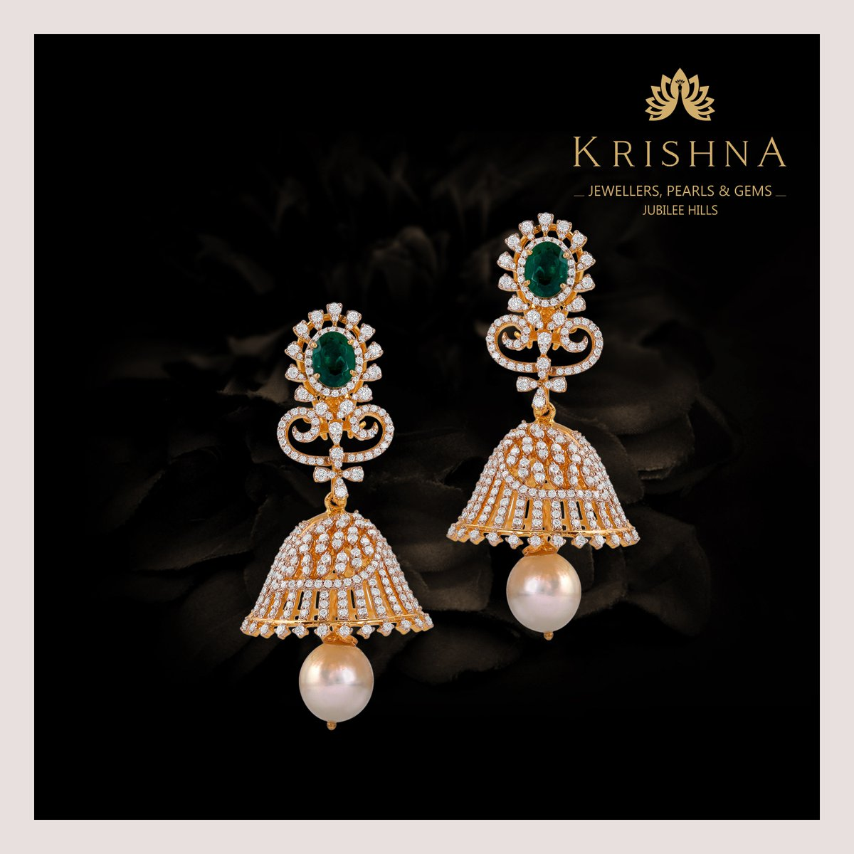 Beautiful Diamond Jhumka Earrings Crafted In Yellow Gold with Emerald & south sea pearl assorted diamonds are perfect to elevate the glossy feminine shine in you.  For more details Contact Us @ +91-7093324141. #diamondearrings #earrings #goldearrings #jhumkaearrings #jhumkaspic.twitter.com/ZO7MuXr1Ib