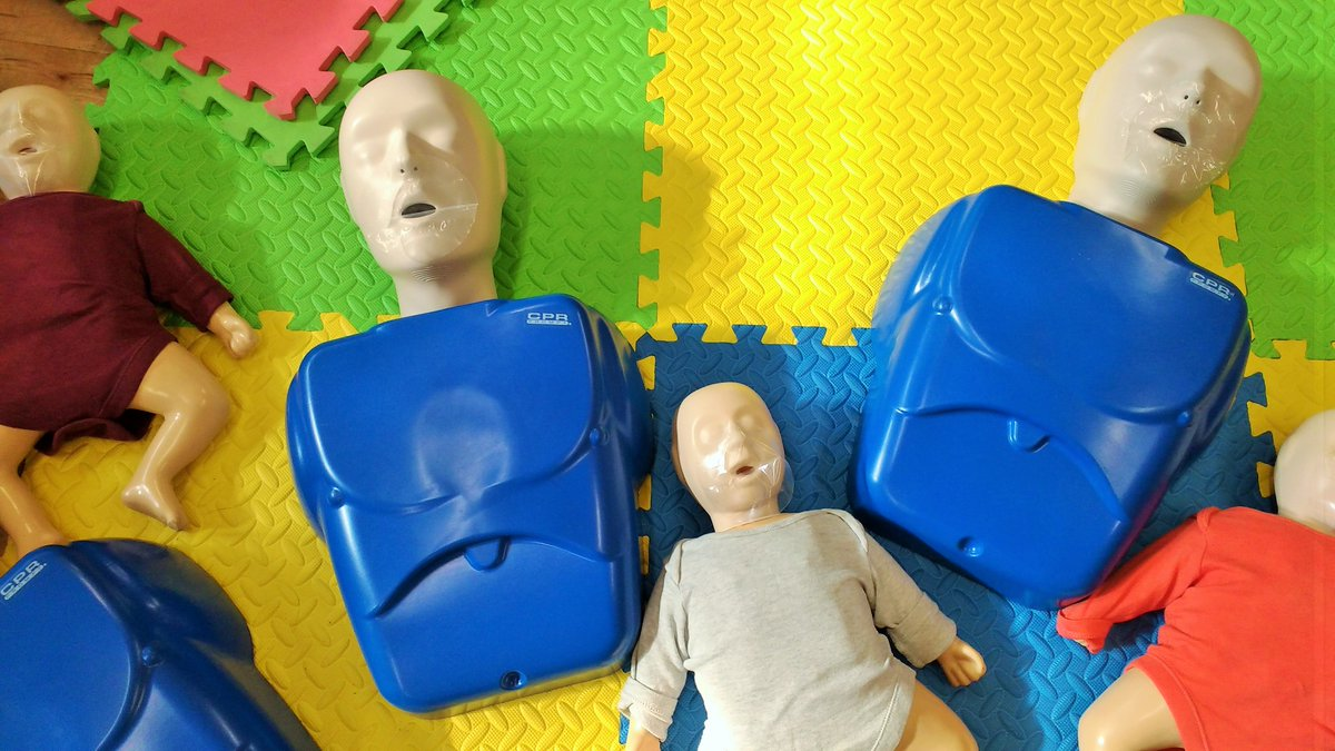 Would you know what to do in a medical emergency? We reviewed a family first aid course http://bit.ly/2jjyYqb #firstaid #firstaidcourse pic.twitter.com/m2td3FT78N