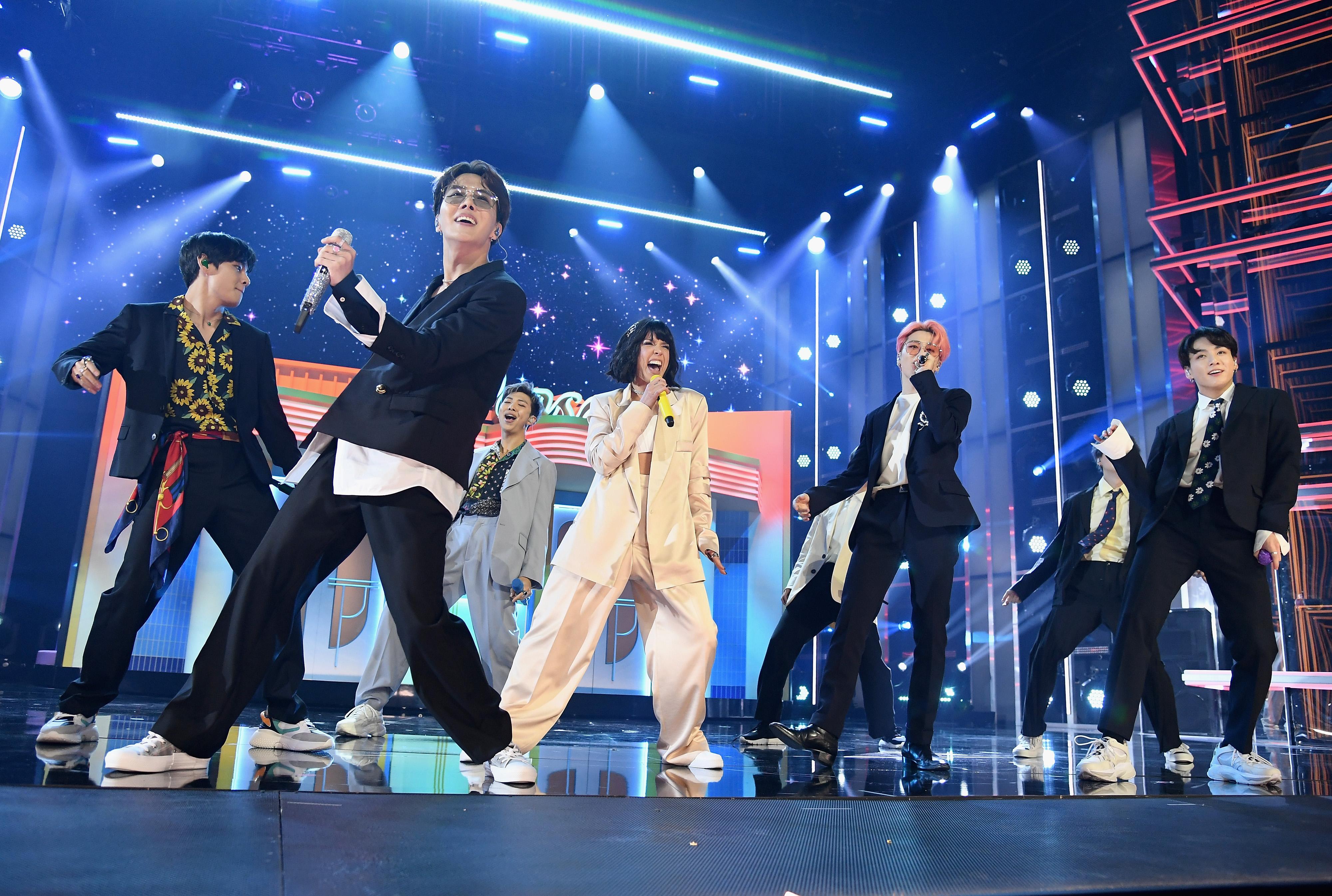 BTS Ungkap Kesedihan Tak Bisa Berjumpa Fans Gara-Gara Wabah COVID-19 © Big Hit Entertainment