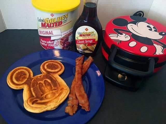 Let's Make Mickey Waffles with Carbon's Golden Malted Mix!  . . . Check out our story for all of the details!! . . . . #disney #disneyfoodie #disneylife #disneylifestyle #disneygram #disneyrecipes #mickeywaffles #disneyeats #chipandco https://ift.tt/2xblfsOpic.twitter.com/Y9aVm4PNjs