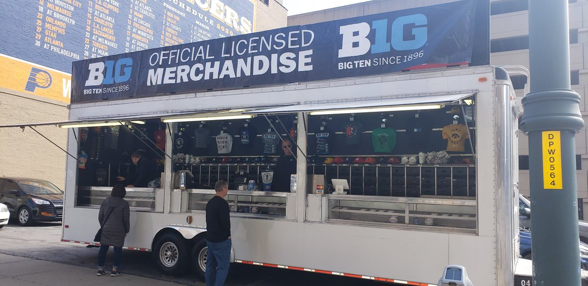 I took this one week ago intending to post about how this merchandise could become collectors items. I wish I would have bought a shirt.. #iubb #B1GTourney https://t.co/r1P6z6aRmX