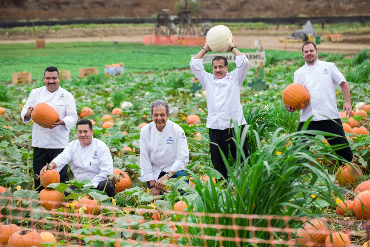 #TBT to our culinary team's #SoCal farm adventure! https://t.co/Q5B8ortmJk