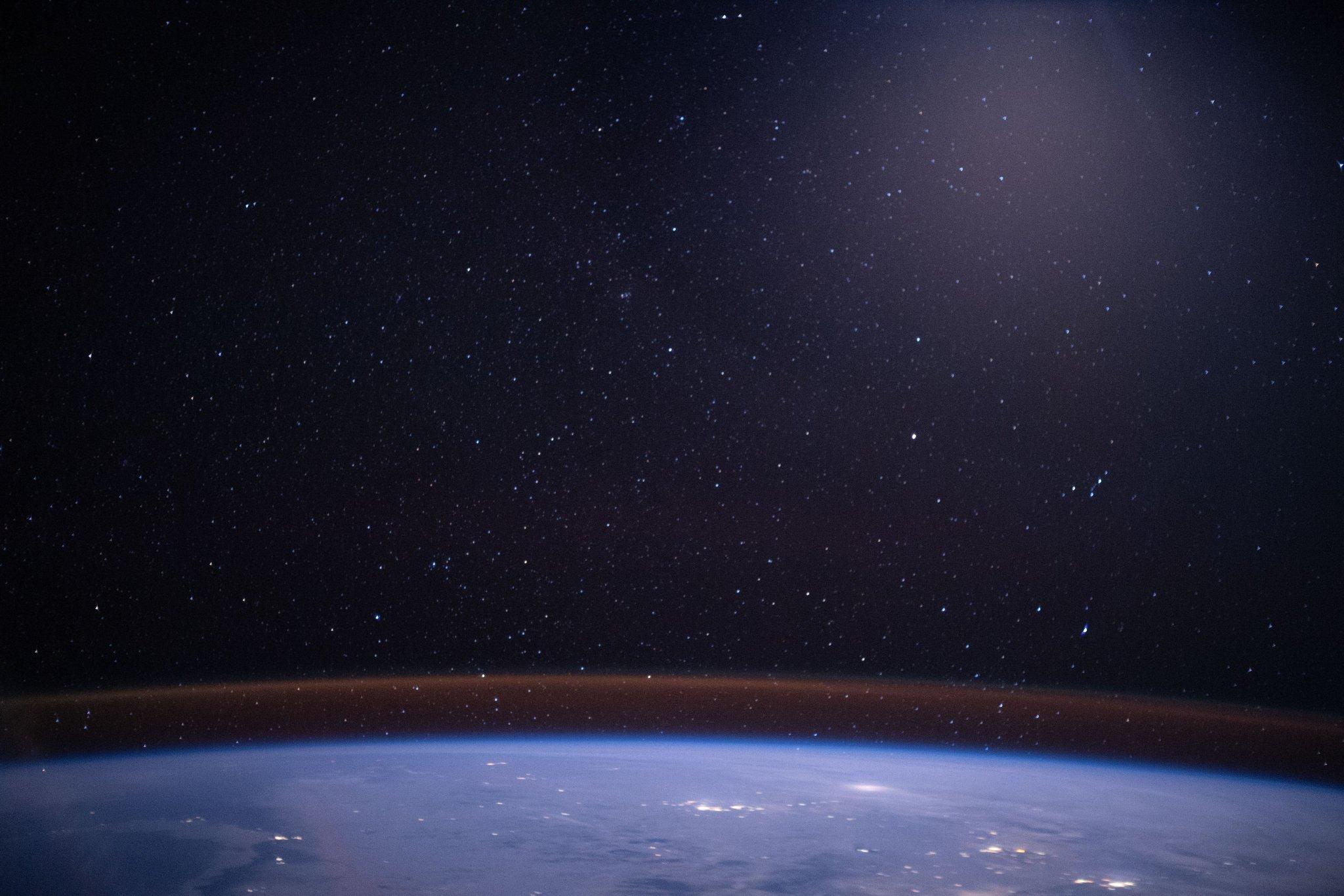 Foto Aurora yang diambil dari Stasiun Luar Angkasa (ISS) pada 20 Maret 2020