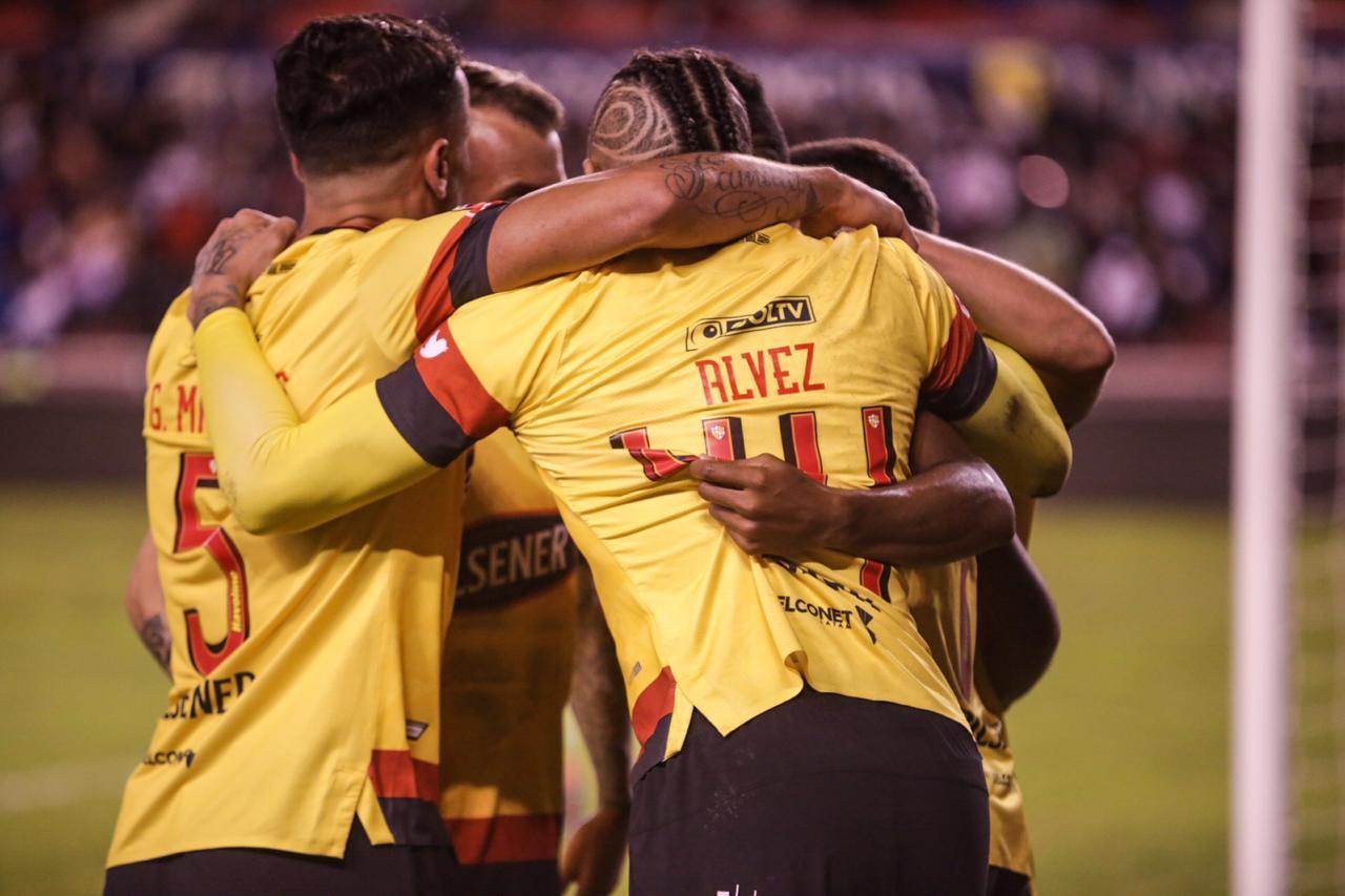 VIDEO) Así entrenan en casa los futbolistas de Barcelona | ECUAGOL
