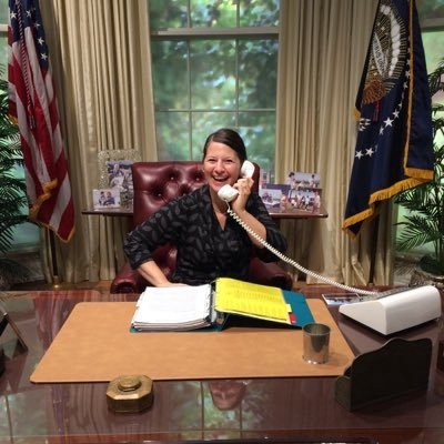 Jennifer Mercieca On Twitter Did I Just Set My Zoom Background To Oval Office Yes Yes I Did