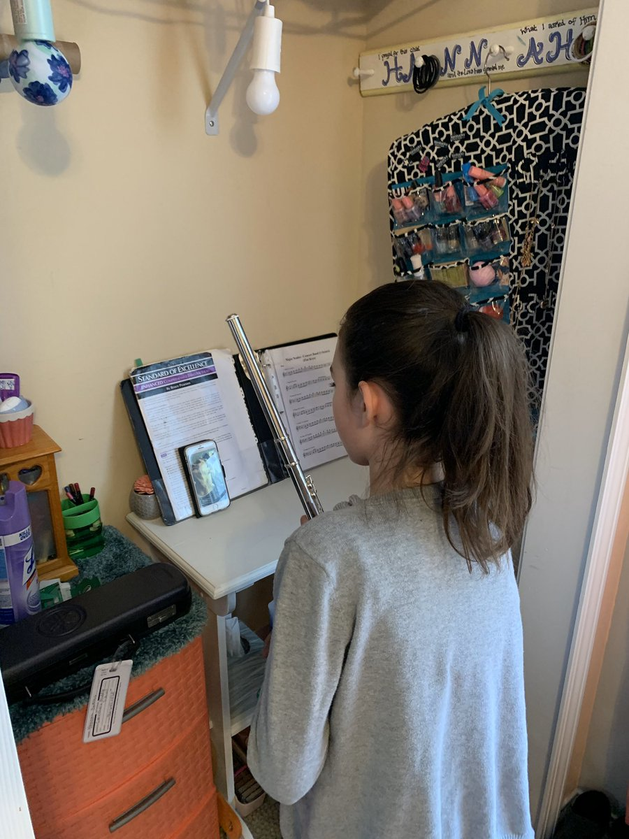 Love seeing students take action during this rough time away from school to foster their love for music. #privatelessons #flutesrule #bandfam @mdfw08 @BradyJCPSBOE @JCPSKYpic.twitter.com/3sW5bFS5Nz