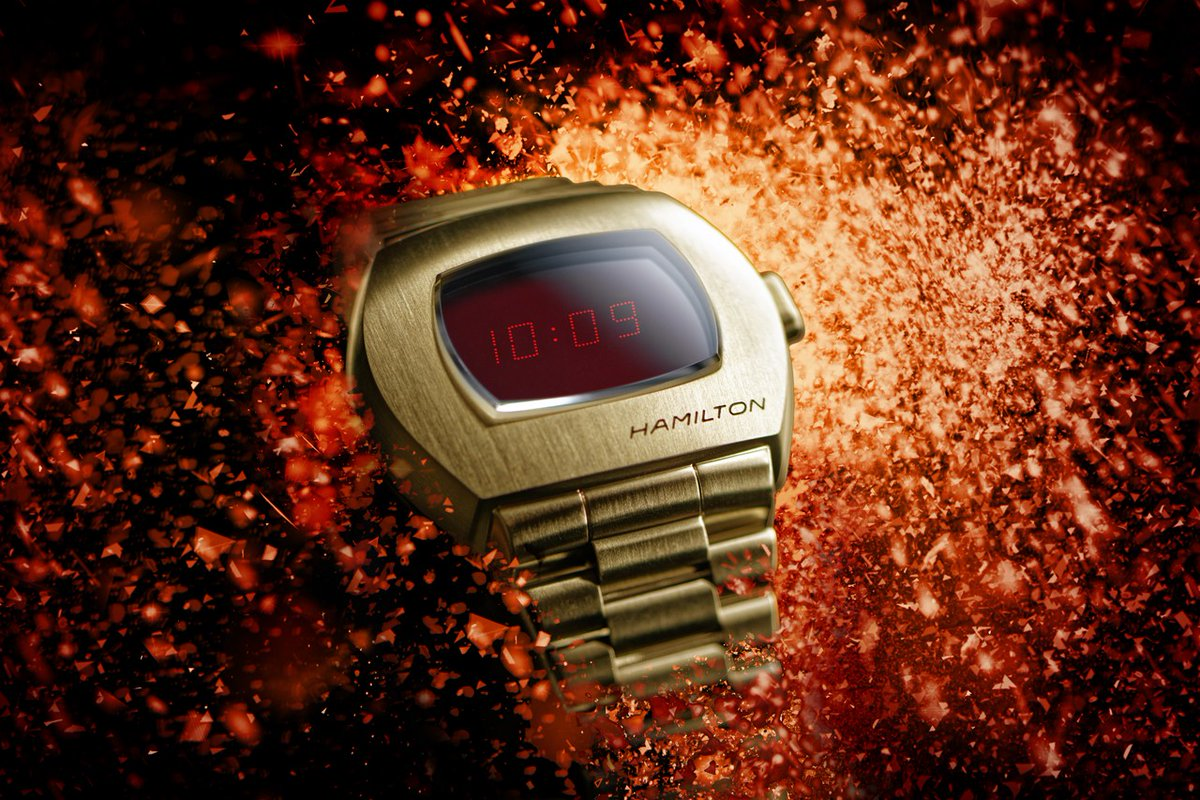 #Geek 🤓 Awesome of the Day ⭐ ➡️ World's First Digital #WristWatch⌚ #Hamilton #Pulsar (1972) New Yellow Gold Version via @techeblog #SamaWatch 🕗 #SamaGeek 🧐 ➡️ View More #SamaCollection 👉 https://t.co/Kugls3IJqU