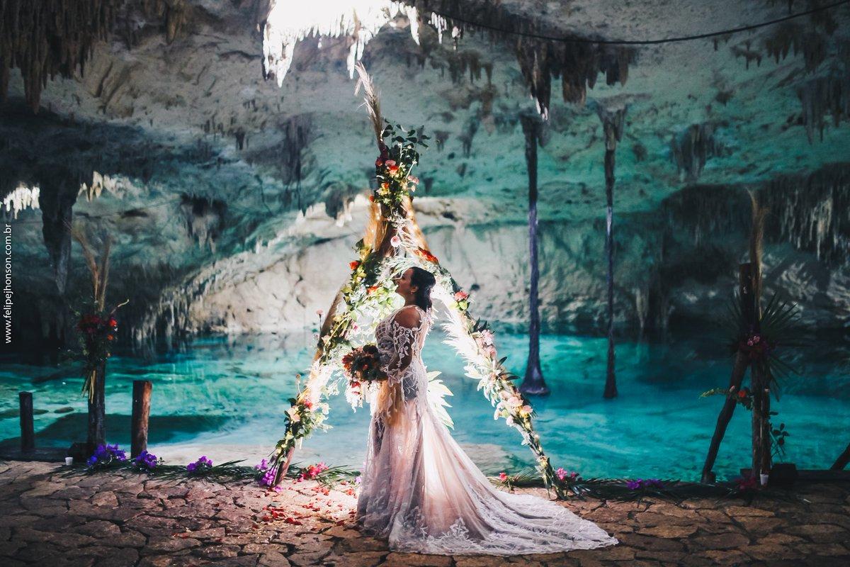 Novia en el Cenote Taak Bi Ha
