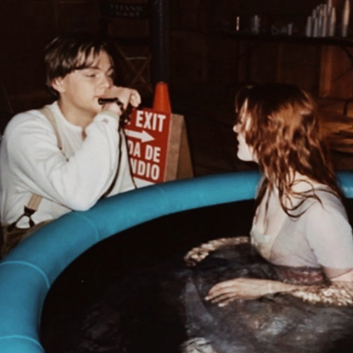 Best Of Leo Dicaprio On Twitter Leonardo Dicaprio And Kate Winslet On The Set Of Titanic 1997