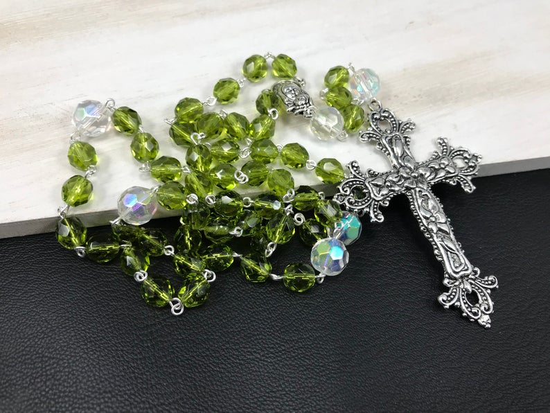 ,#birthstone rosary beads are available for every month, all #handmade with love #prayerbeads #praytherosary #rosaries #faith http://ow.ly/XR3P30qqAcK pic.twitter.com/BwQmiwJJcg