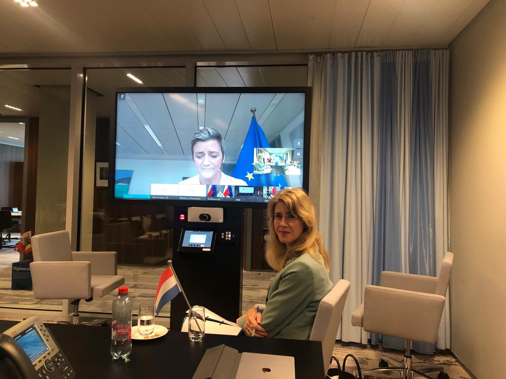 At the #COMPET video call today, state secretary @MonaKeijzer underlined the importance of support to affected sectors, as the economic effects of #COVID2019 are enormous.