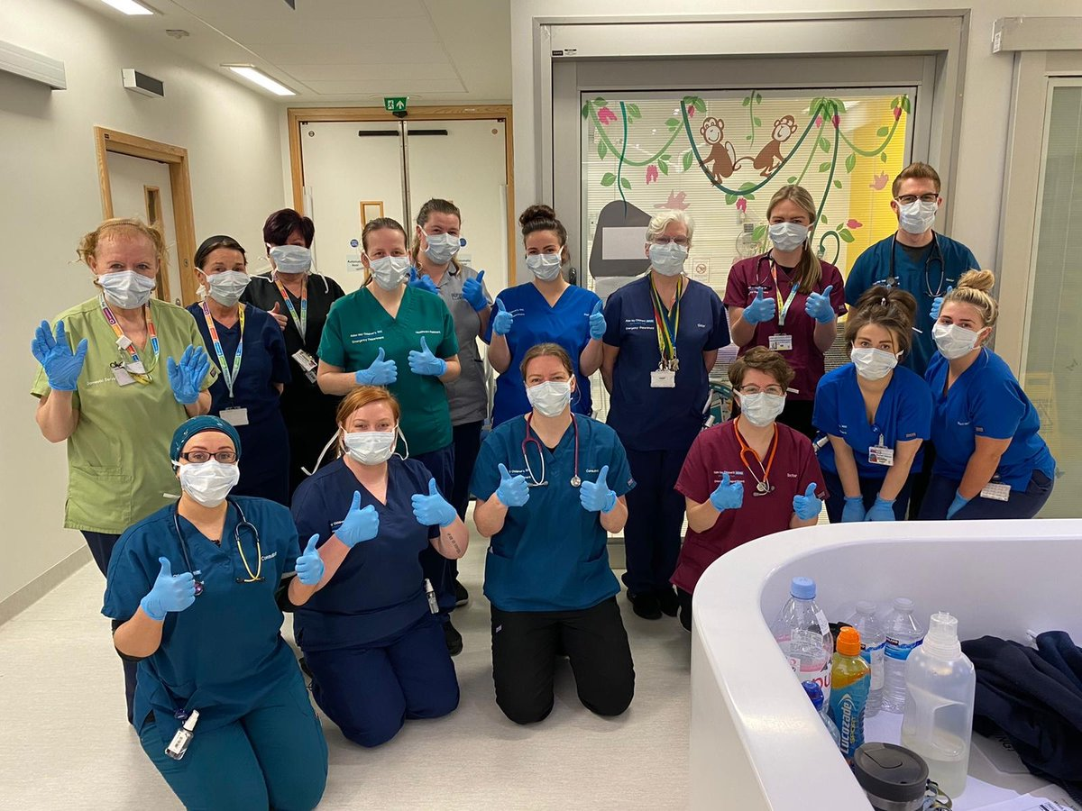 We want to say a massive thank you to all of our amazing staff working on the front line during the #covid19 outbreak. In these unprecedented times, you continue to make us incredibly proud ❤️👏 Share your messages of thanks with us and we'll RT!! #FridayFeeling #nhsworkers