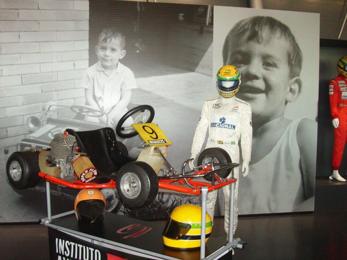 Domani 21 marzo #AyrtonSenna avrebbe compiuto 60 anni. Chissà cosa farebbe oggi... #senna #sennaforever #magic #F1 #F12020 #f1fantasy #F1fans #motorsport #Formula1 #F1drivers #F1legends #McLaren #Honda #Racing #ferrari #ayrton LEGGI/READ: https://t.co/dmm6uVB4Mq https://t.co/NmG033rzju