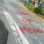 [MERCI] 🙏Le @CHURennes vous remercie chaleureusement pour les nombreux messages de soutien adressés aux hospitaliers! #CORONAVIRUS #COVID19  #bravopourlessoins  #MerciAuxSoignants #SauvezDesVies #JeResteChezMoi #JeSauveDesVies