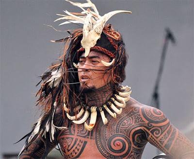 Татуировки от древних времен до современности  Зарождение истории татуировок можно проследить по различным артефактам – от египетских мумий до статуэток с гравированными узорами.   #история_тату #татуаж #тату #татуировки #историяpic.twitter.com/pFQSqdA3RU