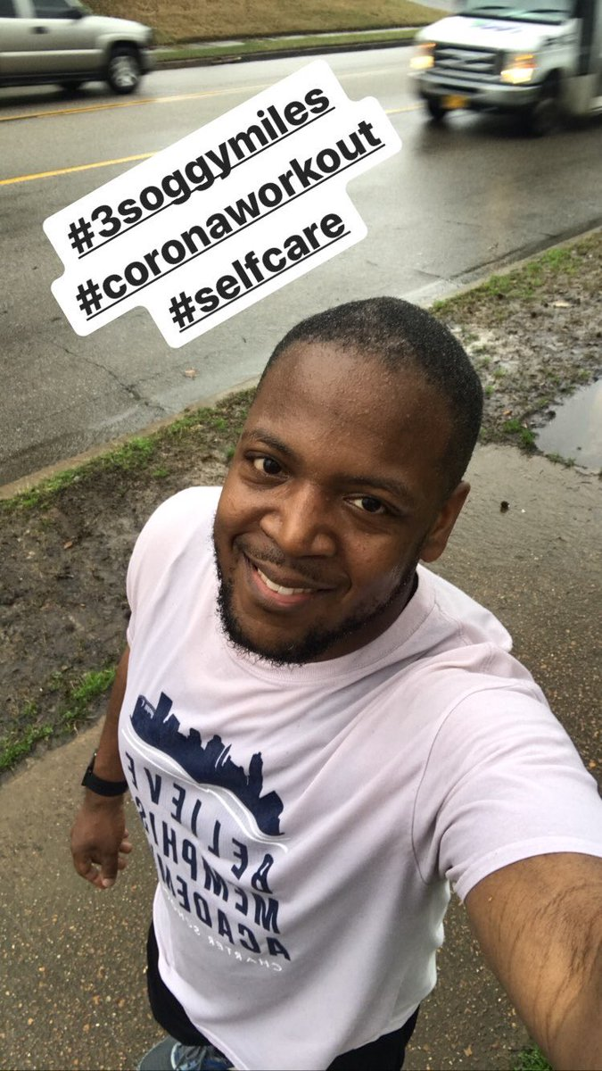Trying to keep my sanity with the gyms being closed. #3soggymiles #coronaworkout #blackmenrun #teachersruntoopic.twitter.com/vKaZPO0zsH
