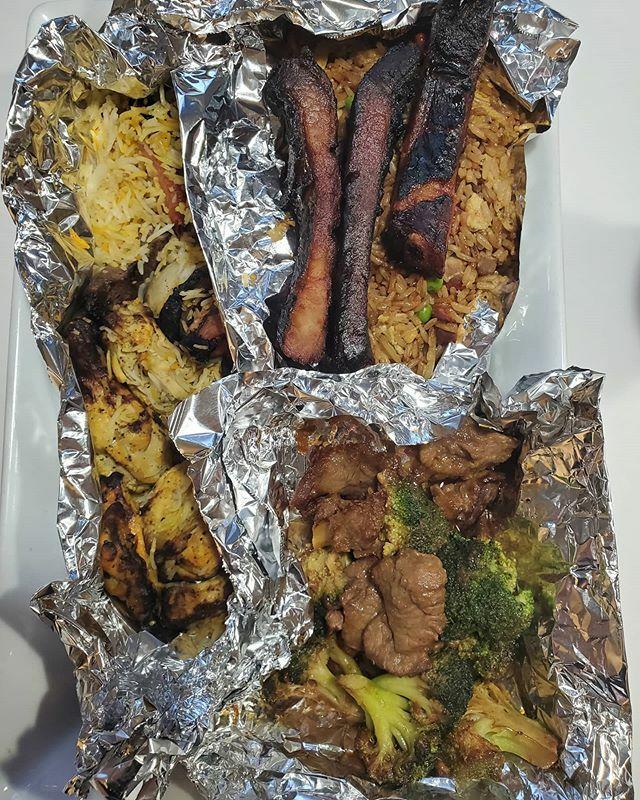 Bento Box w China and Persia ....Eating down leftovers.... #persianfood #chinesefood #coronavirusmeals #coronavirus #coronavirusfood #stayathome <br>http://pic.twitter.com/Hty5d9hjOR
