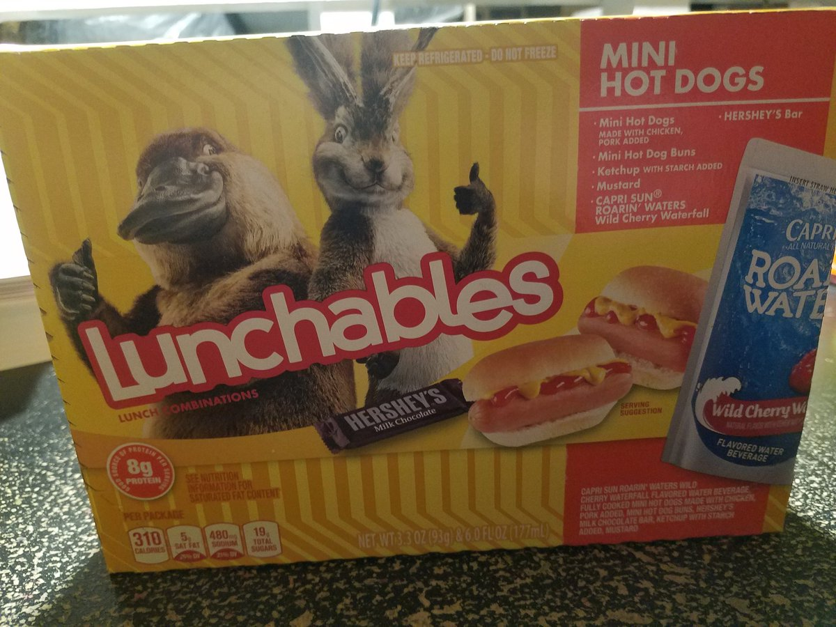 @RealLunchables + chips + extra treat = DINNER!  #coronavirusmeals #QuarantineLife #QuarantineMeals<br>http://pic.twitter.com/oalH1t8ock