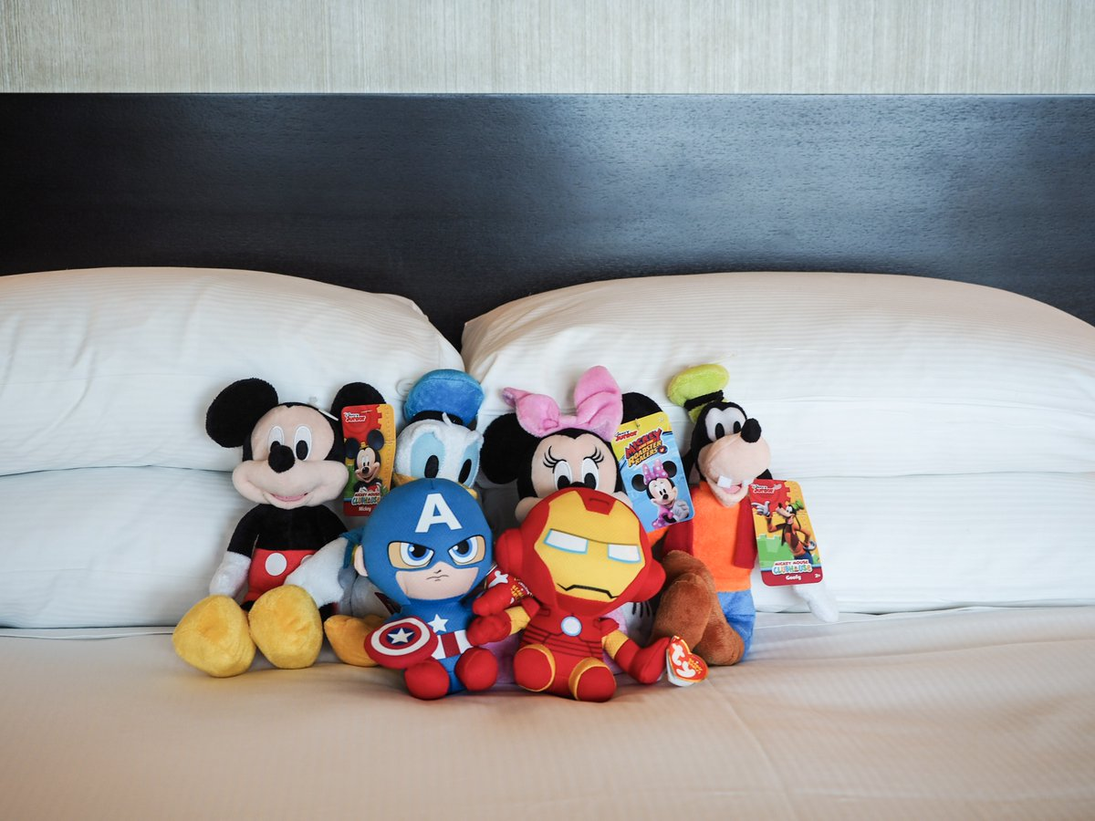 #Weekends are for #sleepingin and snuggling up with our favorite officially-licensed #Disney characters. https://t.co/21ZwXaEdYl