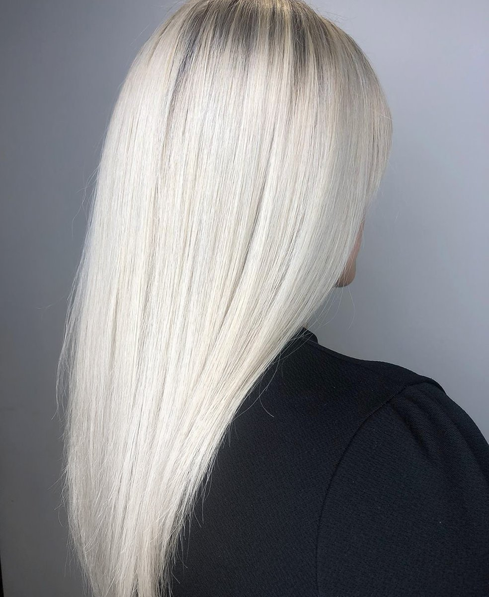 White hair  A huge overhaul for Becky, huge roots and brassy ends. A classic full head of foils in her amazing head of hair and then Izzy toned super icy with @schwarzkopfpro blonde me toners  Took off the dead ends and dried smooth for a simple finish #iceblonde pic.twitter.com/u0gnpW7rZW
