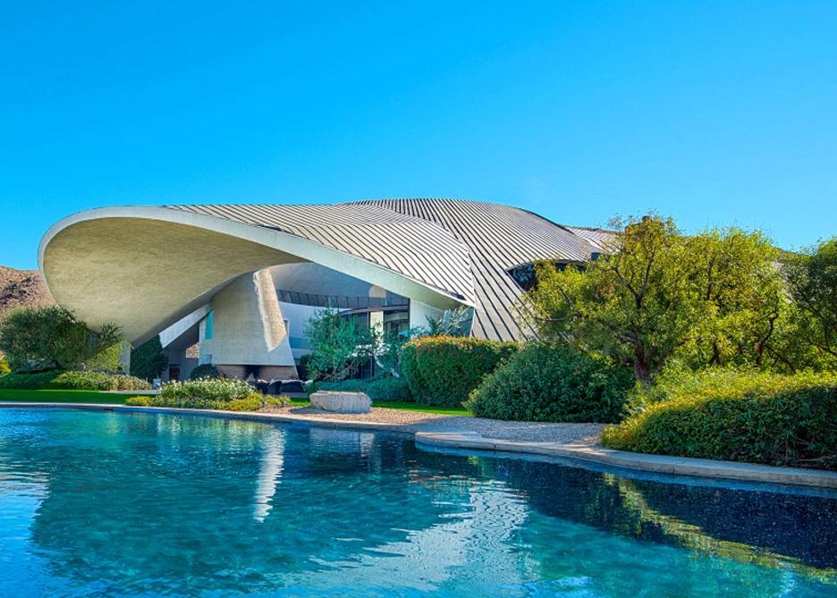 😍ArchitectureInspo: Bob Hopes Lautner House in Palm Springs #ModernArchitecture #Modernism #LautnerHouse