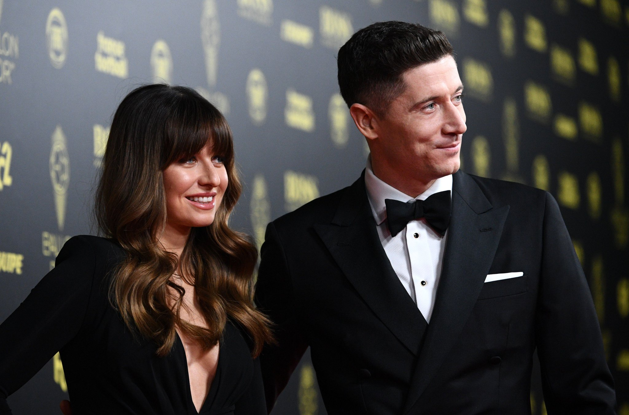 "FOX Soccer on Twitter: ""Robert Lewandowski and his wife Anna have contributed €1 million to help combat the coronavirus 👏… """