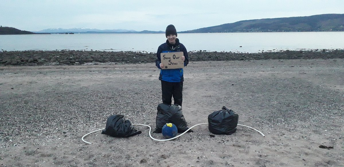 #SOSSaturdays #Week12  This week's #BeachClean was the first #SocialDistancing one!  Beach was much busier than usual with people going out to get exercise & fresh air.  1,172 pieces of litter taken out of the Clyde today   #SaveOurSeas #STOPThePlasticTide #YCW2020 #iwill<br>http://pic.twitter.com/rWd0NMRZsa