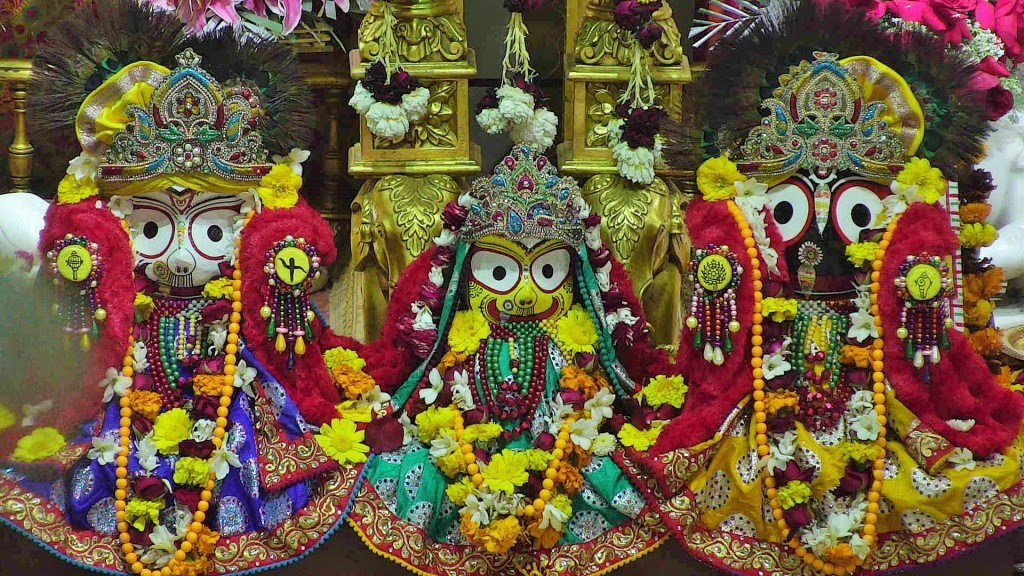 Lord Jagannath along with brother Balabhadra and sister Subhadra remain in isolation(anasara ghara) for 14 days after Snan Purnima and devotees have darshan after 14 days during Nabajouban Darshan.  Time for us all to practice this and sincerely remain in isolation. #Covid_19