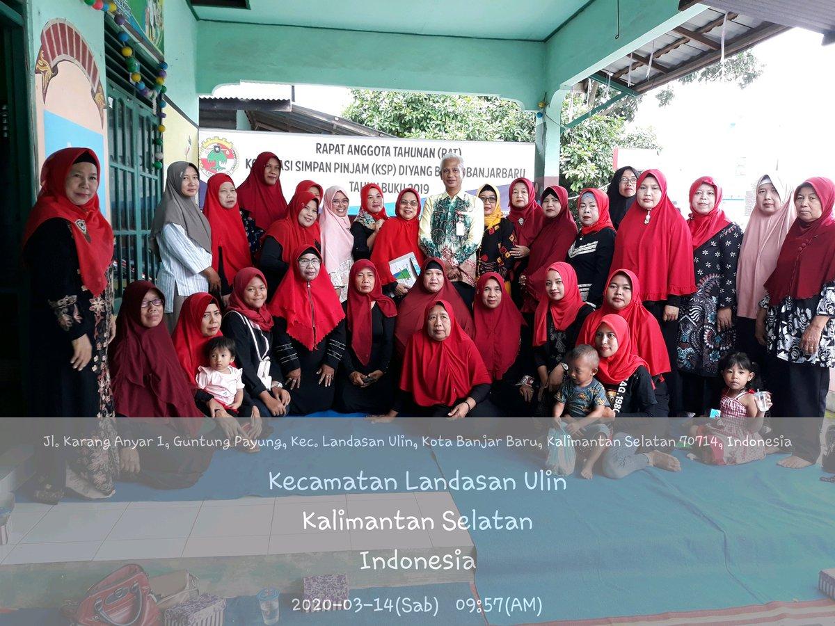 Menghadiri RAT KSP Diyang Bulan Tb.2019. Dihadiri Kepala Dinas Koperasi,Ukm dan Tenaga Kerja Kota Banjarbaru beserta staf  @Penyuluhkoperasi @kemenkopukm #Penyuluhkoperasi #KemenkopukmRI  #Ppklkotabanjarbaru  #Ppklkalimantanselatan  #KoperasiIndonesia  #Koperasisimpanpinjam pic.twitter.com/kTQJplgYcm
