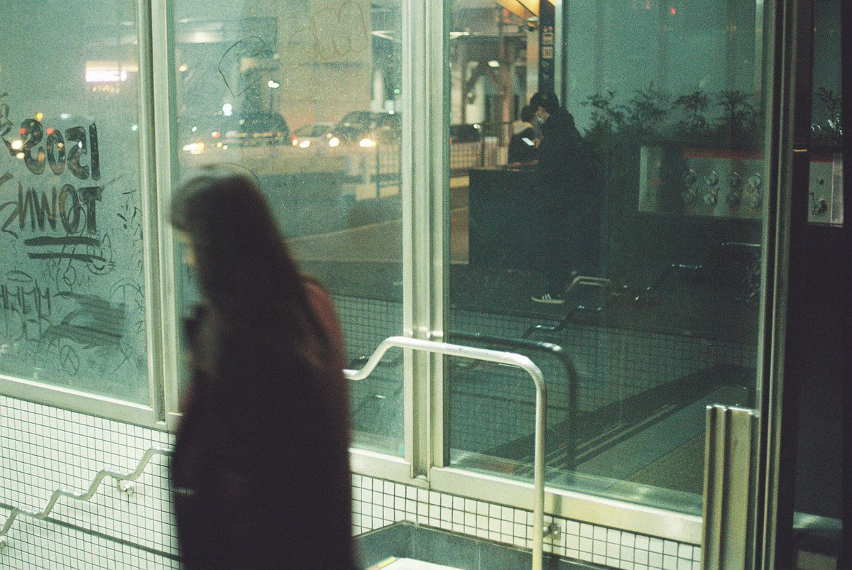 LEICA R8 LEICA SUMMICRON-R 50mm F2 Kodak ULTRAMAX 400  #film #フィルム #フィルムカメラ #フィルム写真 #filmphotography #japanphoto #japan #スナップ #ストリートスナップ #カメスズpic.twitter.com/j8JHNajgQX