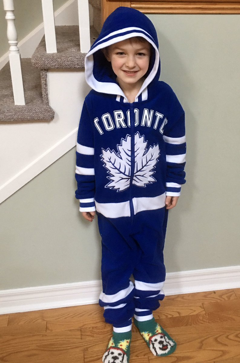 Dear @MapleLeafs, This is my son Oliver. It's his birthday tomorrow and there won't be any party. His big present was tickets to an @NHL game and obviously he won't be going. I know he would love some Happy Birthday wishes!!! 🙌 https://t.co/dVEanAB3yD