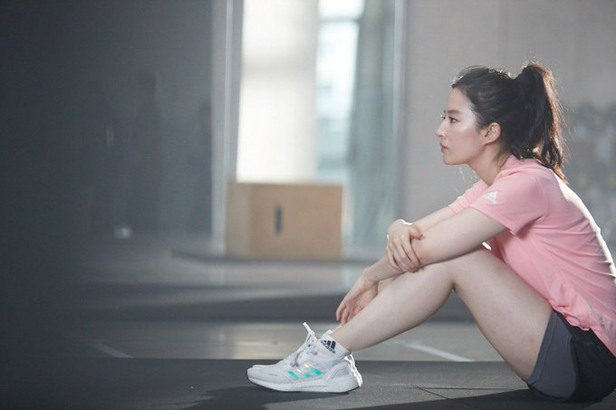 Adidas Women ETt7kjKUMAApxpE?format=jpg&name=small