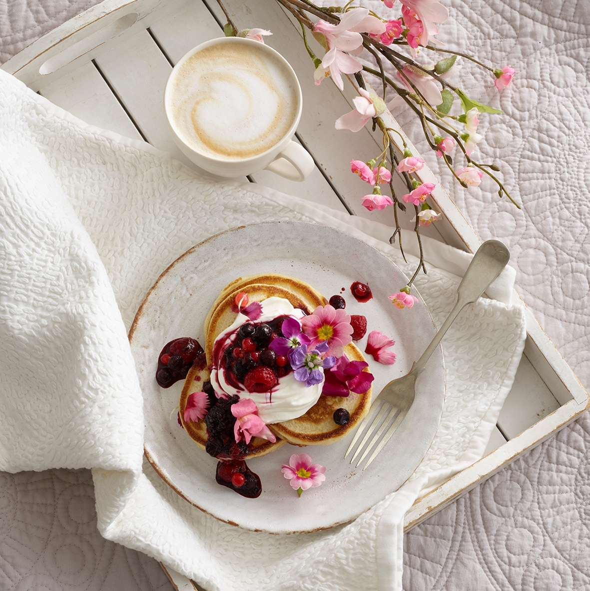 If you're preparing to surprise your mum with breakfast on Mothers Day but are a little stuck for ideas, try my gorgeous buttermilk pancakes with berry compote. ⁠For the recipe 👉 https://t.co/lKoIRHlwdE https://t.co/E0pGpQTMol