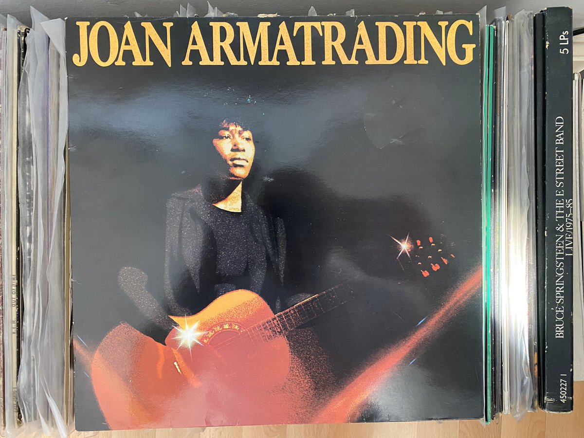 Day 2: today's album is from the same year as yesterday's but a little different. Have a listen to Joan Armatrading - Joan Armatrading (1976) #recordaday pic.twitter.com/8TgS3lHssz