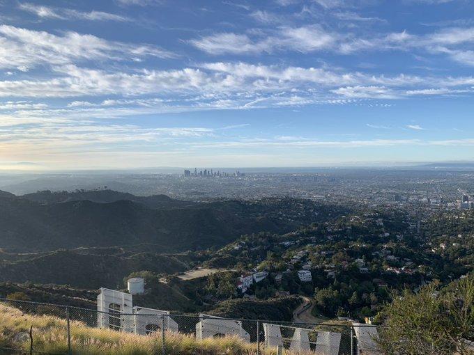 's Media: RT @Datguyinla: The LA skyline is so clear. #holywood #la #clearskies https://t.co/ETbcKCQKGJ