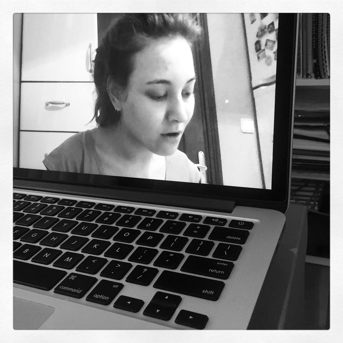 #evdekal, şarkı söylemekten vazgeçme  Vokal dersleri Skype üzerinden tam gaz devam #jazzvocal #privatelessons pic.twitter.com/dSfGQMeaLt