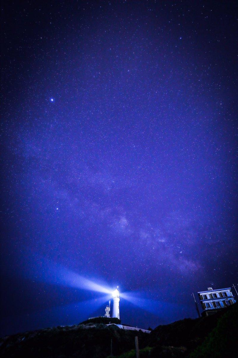 初の天の川撮影 天候・時間・タイミング全て揃ってやっと撮れるやつ。 ちょっと前まで快晴だったのに曇って思ったようには撮れませんでした。。  必ずリベンジします。  Location.Chiba.Japan  #japan  #日本  #犬吠埼  #milky_way  #japanphoto  #カメラ旅  #photo_shorttrip #photo_travelers #夜景pic.twitter.com/q9SidED9Qf