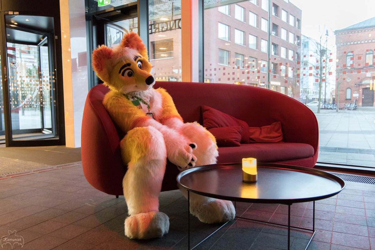 Red sofa photo collection from #NFC2020 <br>http://pic.twitter.com/TyfRvk4uPO