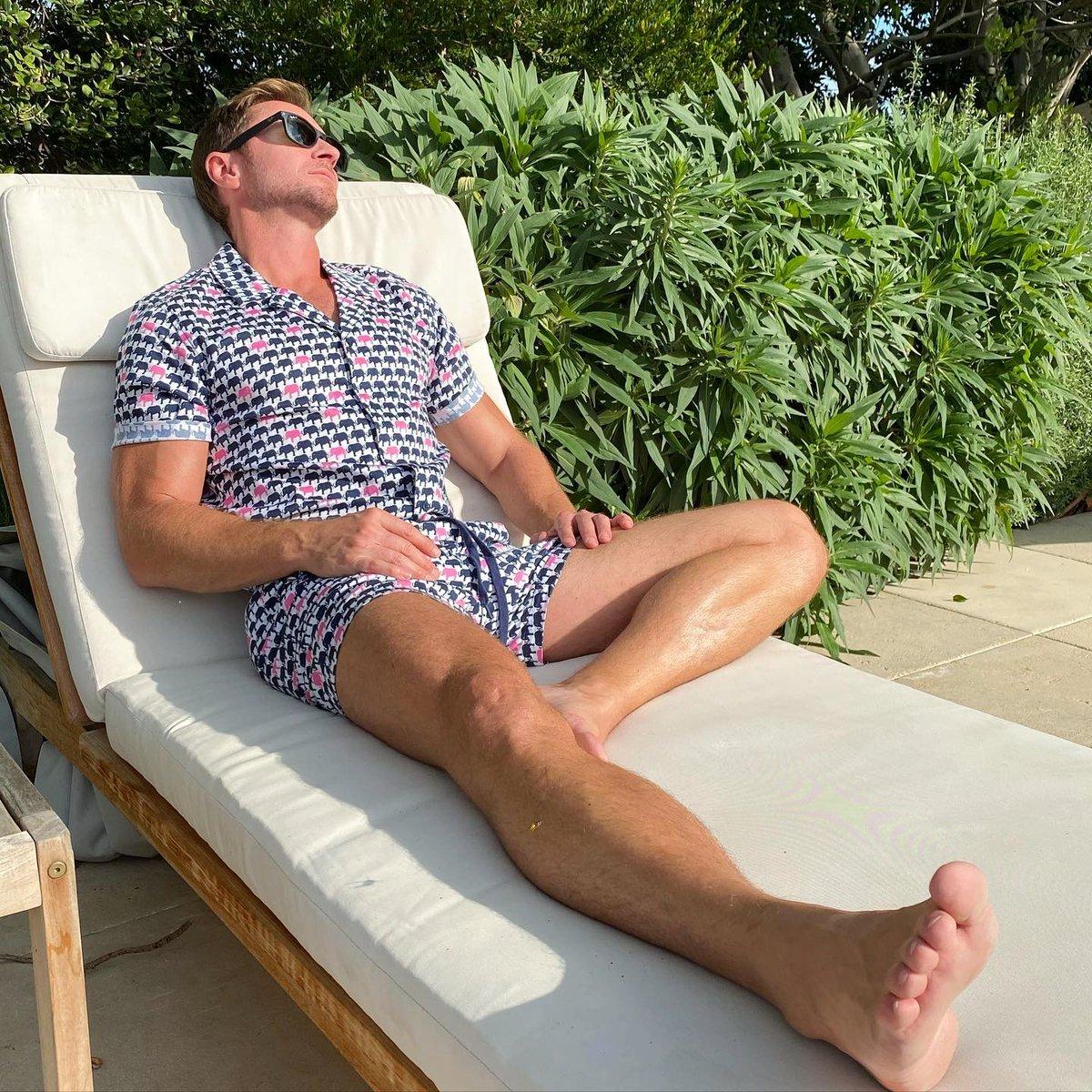 Sunday mood ☺️ @paulie_good soaking up the sun in Mr Turk ☀️ #MrTurkStyle #MrTurk