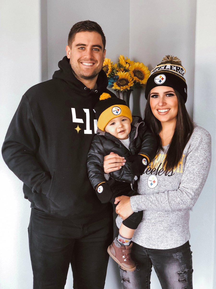 Our Family Is Ready! #SteelerNation #HereWeGo<br>http://pic.twitter.com/dQvN1dVaft