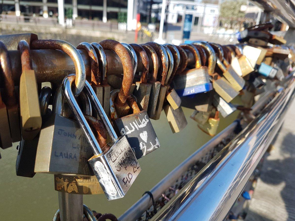 Love locked. Pero's Bridge today ❤️🔒