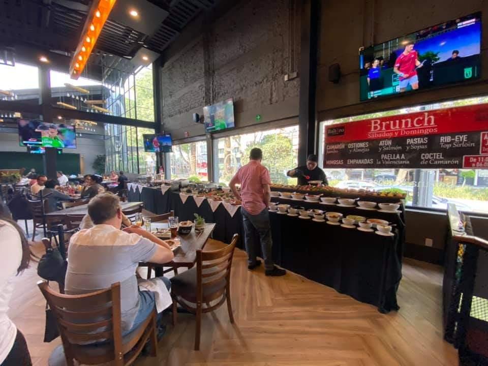 Listos para la comida ? ... es hora de disfrutar del abundante y variado Brunch Buffet de #Baltoro ven a disfrutar .