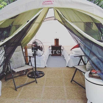 Like a little camping comfort? This setup can be modified to suit your needs.  #camping #glamping #glampinglife #campinglife #campinggear #travel #travelgram #mytravelgram #wander #wandering #wanderingwomen #gypsy #vacation #vacationmode https://ift.tt/3acMxOkpic.twitter.com/3TeyVDE2tt