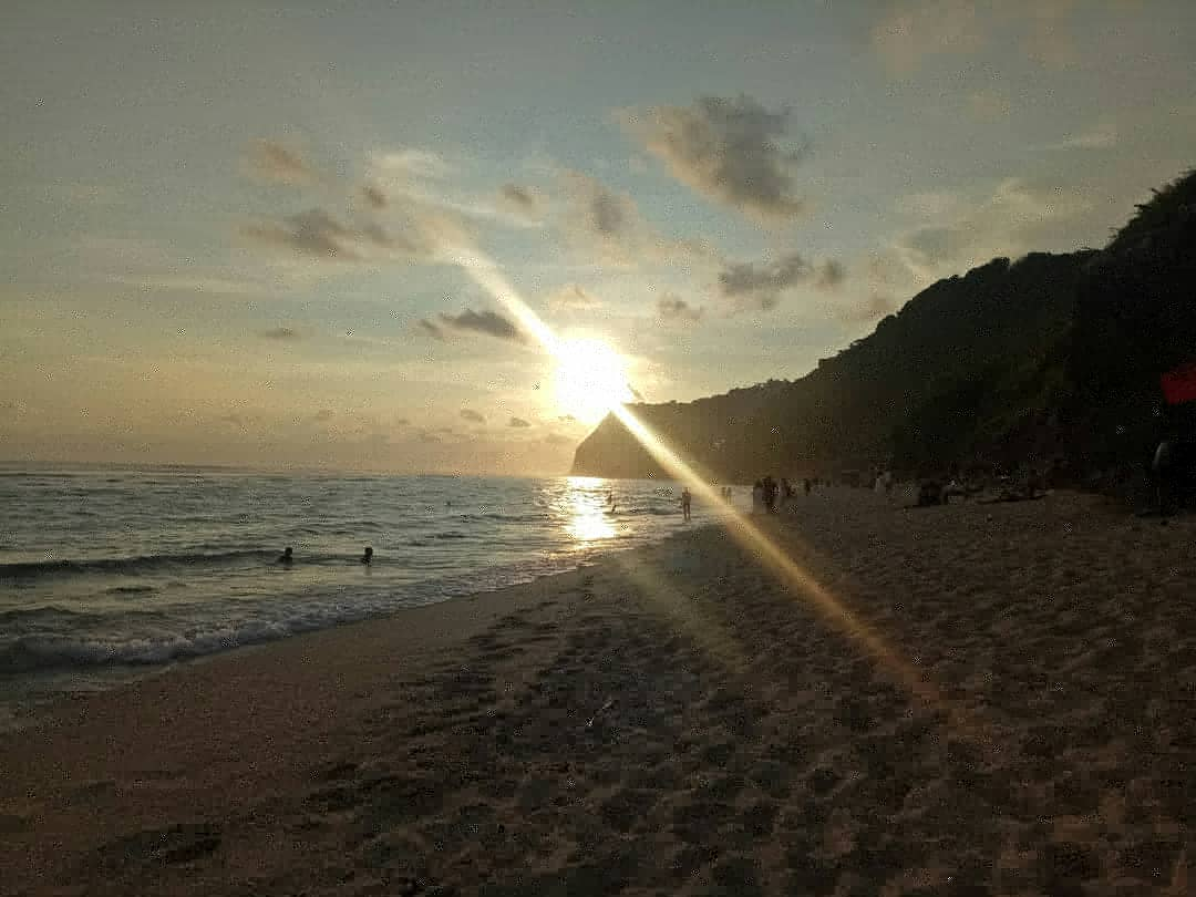 #bali #melasti #balibeach #melastibeach #amazingpic #amazingpics #instapics #instatravel #beautifulmomment #beautifulphoto #beautifulpic #amazingvideo #traveling #travelers #ungasan #balilife #baliindonesia #balilifestyle #indonesiapic.twitter.com/YUul2Fp32Q