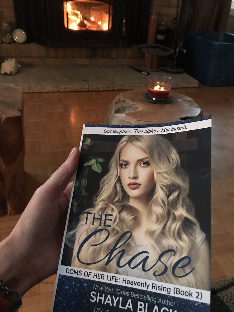 #selfisolating With book 5 of 24 @goodreads #24booksin12months #2020ReadingChallenge @Shayla_Black @JennaJacob3 @IsabellaLaPearl #TheChase #DomsOfHerLife #HeavenlyRising page 355 😲😲😲 #thatisall https://t.co/t5PNAhpYcI