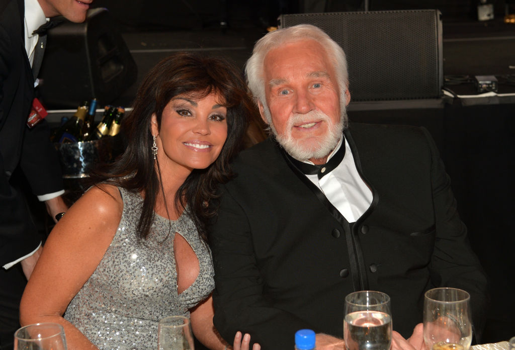How Kenny Rogers Met His Wife, Wanda Miller