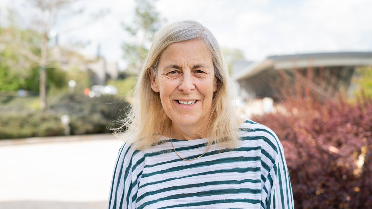 Huge congratulations to our Director Emeritus, Professor Dame Janet Thornton, for winning the 2021 @BiochemSoc Award 🏆 in recognition of her work using #computational methods to advance #biomolecular science! 👏👏👏 https://t.co/KUfVOmXVA4 https://t.co/ZlqmYedSYr