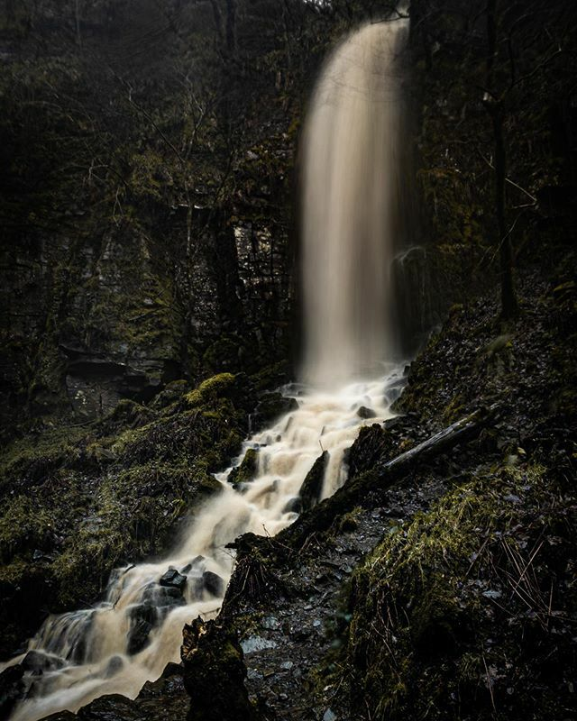 Taken at a time before people even knew what covid 19 was. Simpler and better days . • • • • • #hiking #hike #waterfall #longexposure #southwales #nightphotography #waterfalls #wales #longexpoelite #cymru #longexposure_shots #walesonline #amazing_longexpo #astrophotogra…pic.twitter.com/RkmbMPHxzd