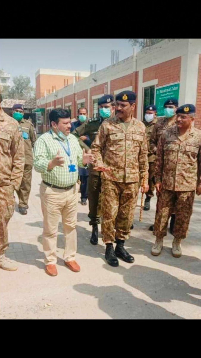 GC Okara @peaceforchange !!! Good to see you after long time on screen.  Gen Asif Ghafoor visiting hospitals in Sahiwal & Okara. #AsifGhafoor pic.twitter.com/2iNTYoK5nN